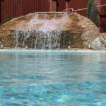 водопад у бассейна
