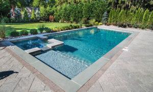 Бетонный бассейн с гидромассажной ванной и донными гейзерами